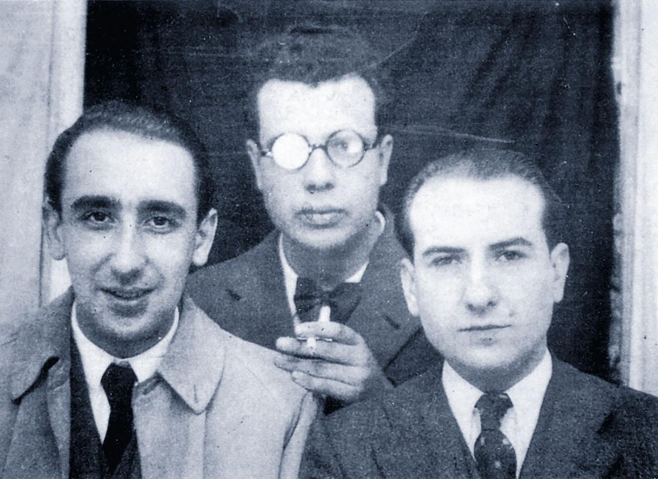 Cunqueiro, Del Riego e Carvalho nunha foto anterior a 1936